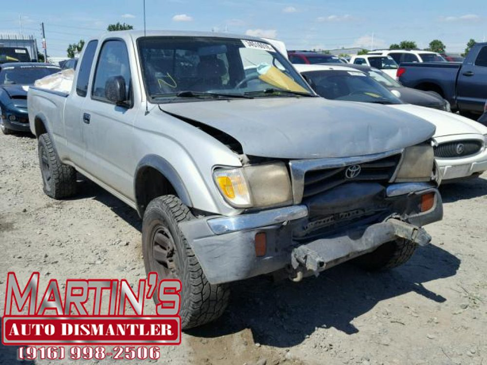 2000 TOYOTA TACOMA XTRACAB (FOR PARTS)