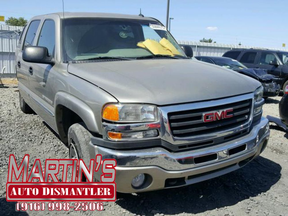 2003 GMC Sierra Heavy Duty (FOR PARTS)
