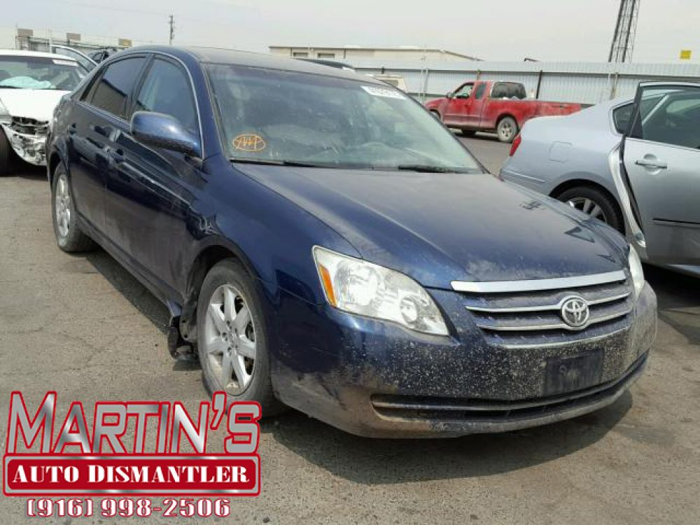 2006 Toyota Avalon XL  (FOR PARTS)