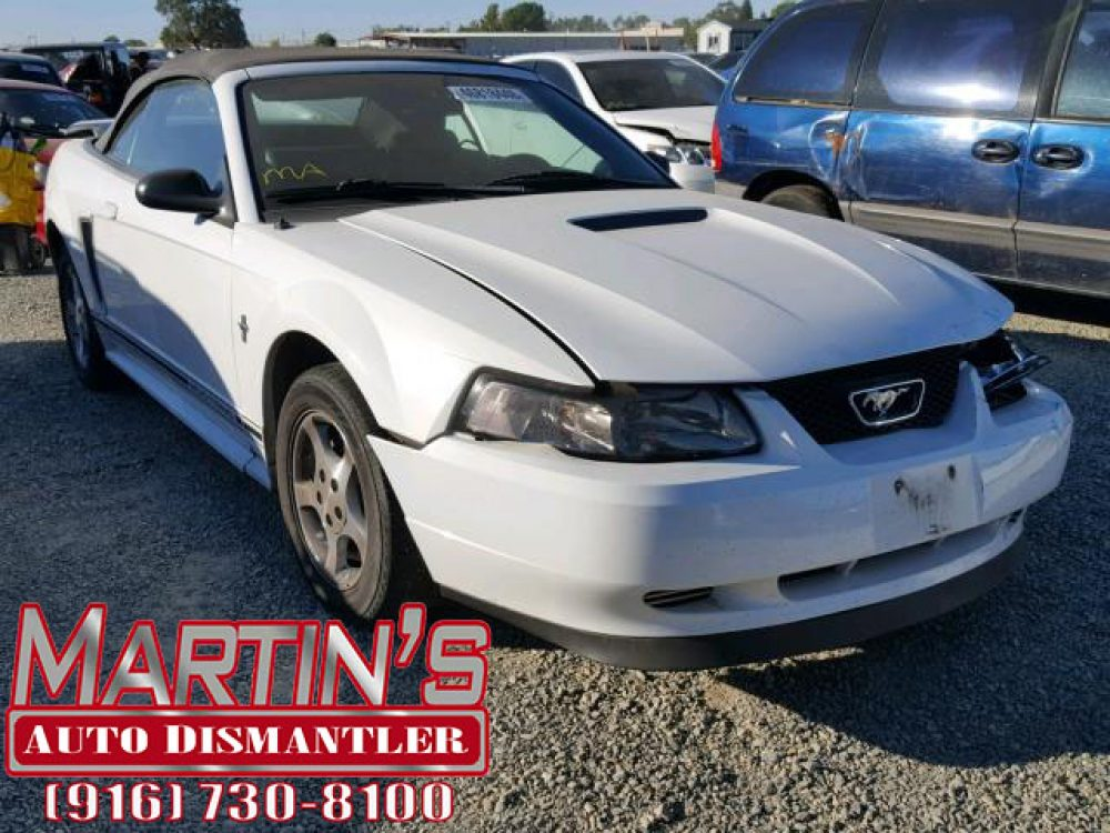 2001 Ford Mustang (FOR PARTS)