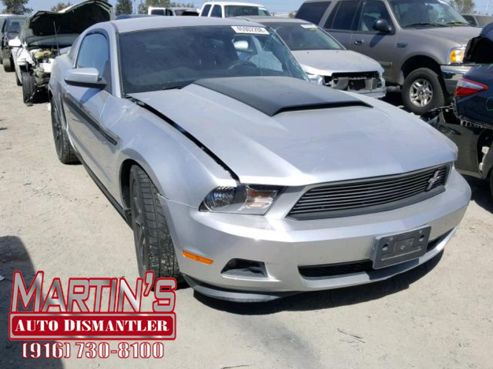2011 Ford Mustang (FOR PARTS)