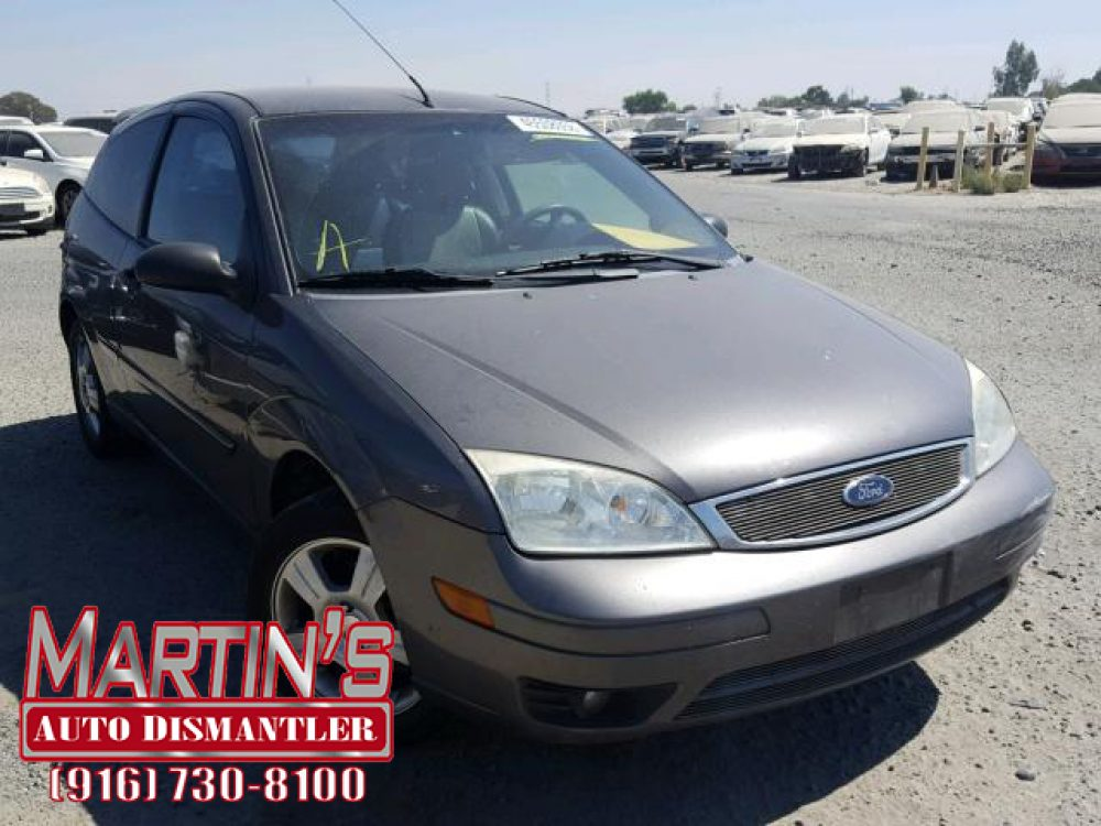 2007 Ford Focus ZX3  (FOR PARTS)