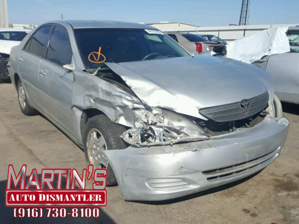 2002 Toyota Camry LE (FOR PARTS)