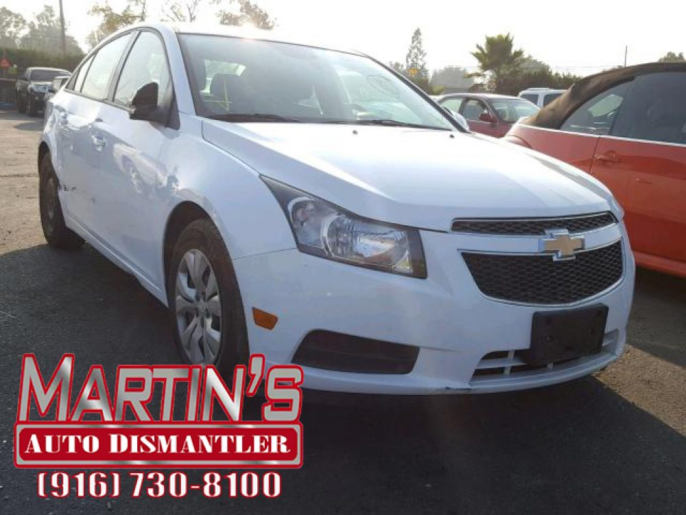 2013 Chevrolet Cruze LS (FOR PARTS)