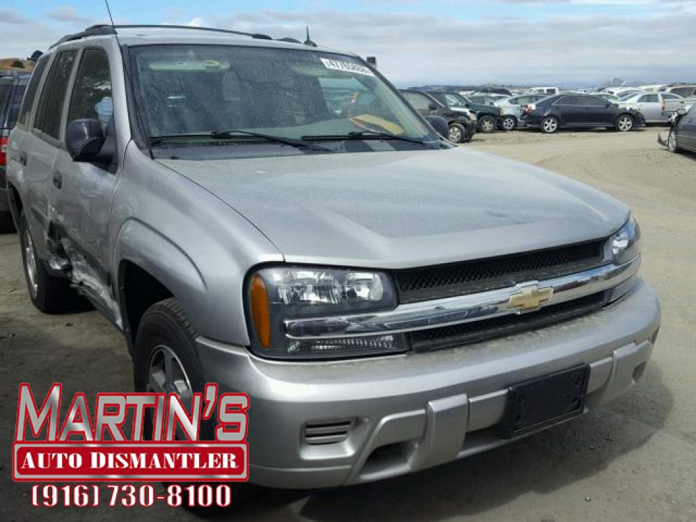 2005 Chevrolet Trailblazer LS  (FOR PARTS)