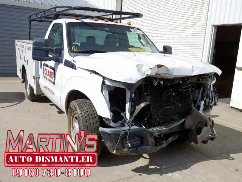 2011 Ford F350 Super Duty  (FOR PARTS)