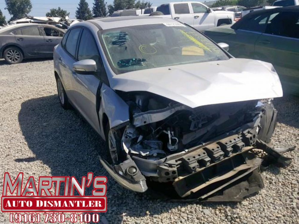 2015 Ford Focus SE (FOR PARTS)