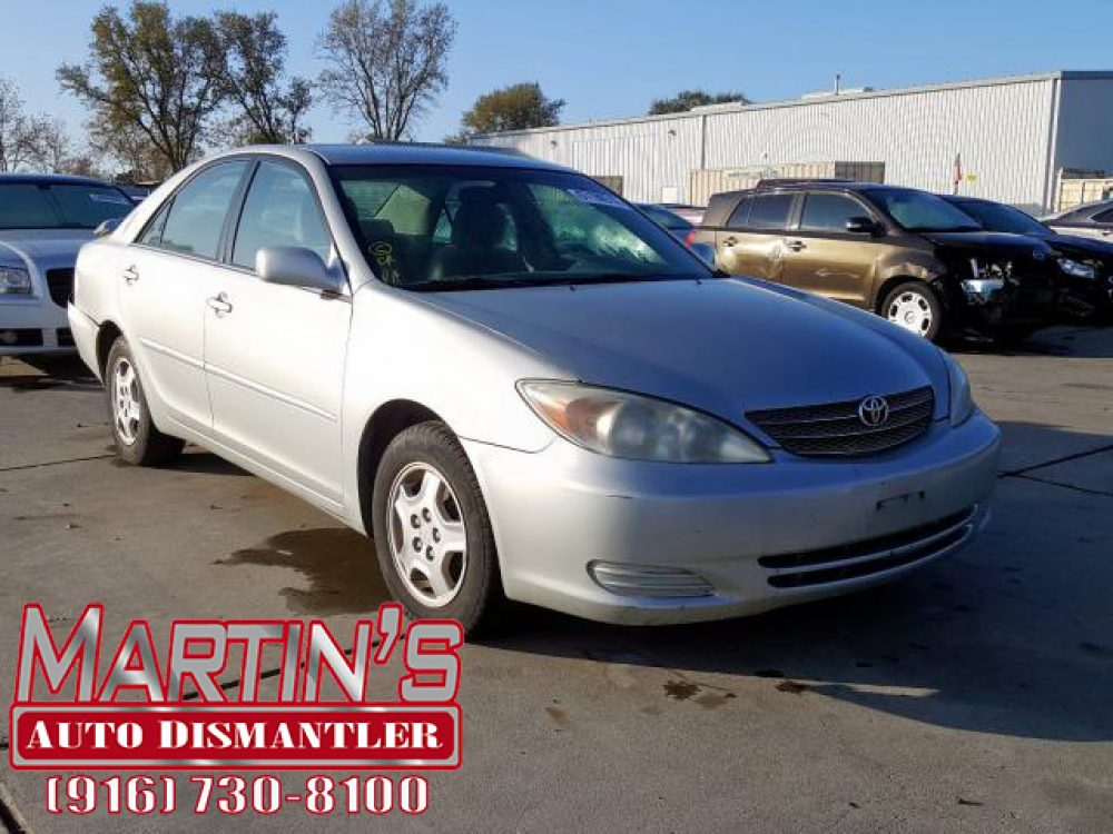 2003 TOYOTA CAMRY LE (For Parts)